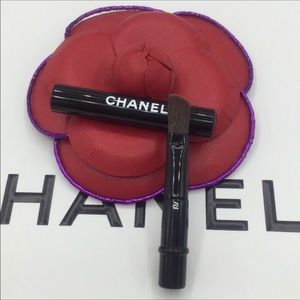 CHANEL mini angled eyeliner brush